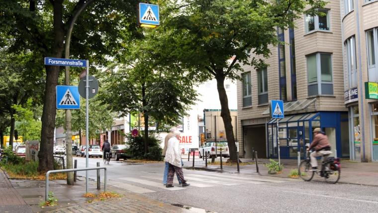 Gertigstraße: Zankapfel Zebrastreifen