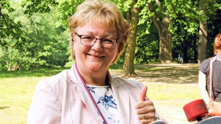 Martina Lütjens freut sich, dass die Verwaltung nun prüft, wo in Klein Borstel, Alsterdorf oder Fuhlsbüttel eine Skateranlage